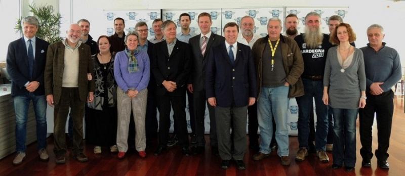 Lietuvai Romoje atstovavo  FIM Europe komisijos narys, Aukštadvario bendruomenės tarybos narys  L. Baltrūnas(penktas iš dešinės).