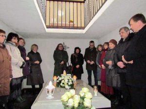 Prie rašytojos Marijos Pečkauskaitės-Šatrijos Raganos kapo