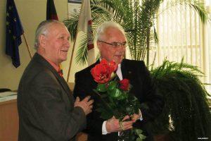 Naują Tarybos narį K. Mačiulį sveikina Sigitas Staškus