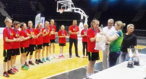 Plungės Senamiesčio mokyklos merginų krepšinio komanda