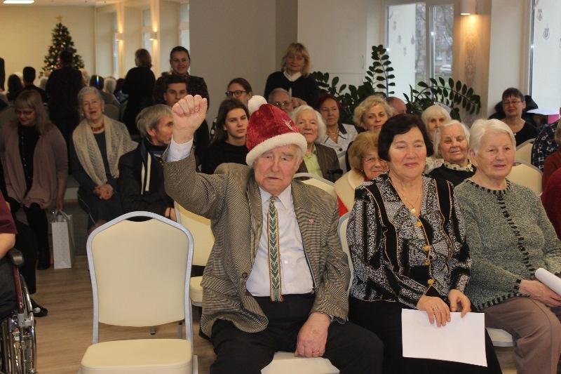 Uostamiesčio senelių namų globotiniams – savivaldybės dovanos