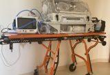 """Iš asociacijos """"Neišnešiotukas"""" dovanų gautas transportinis inkubatorius pagerino pačių mažiausiųjų keliones iš vienos gydymo įstaigos į kitą."""