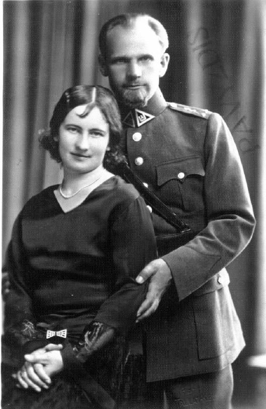 Gydytojas pulkininkas Kazimieras Nasvytis su žmona Elena