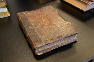 Seniausia knyga