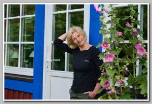 Raimonda Ravaityte-Meyer prie savo namų / asmeninio archyvo nuotr.