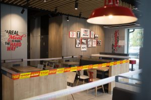 Šiauliuose duris atvėrė KFC restoranas