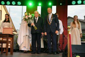 Alytaus rajono garbės pilietis Ipolitas Makulavičius (nuotr. iš kairės) ir Alytaus rajono savivaldybės meras Algirdas Vrubliauskas