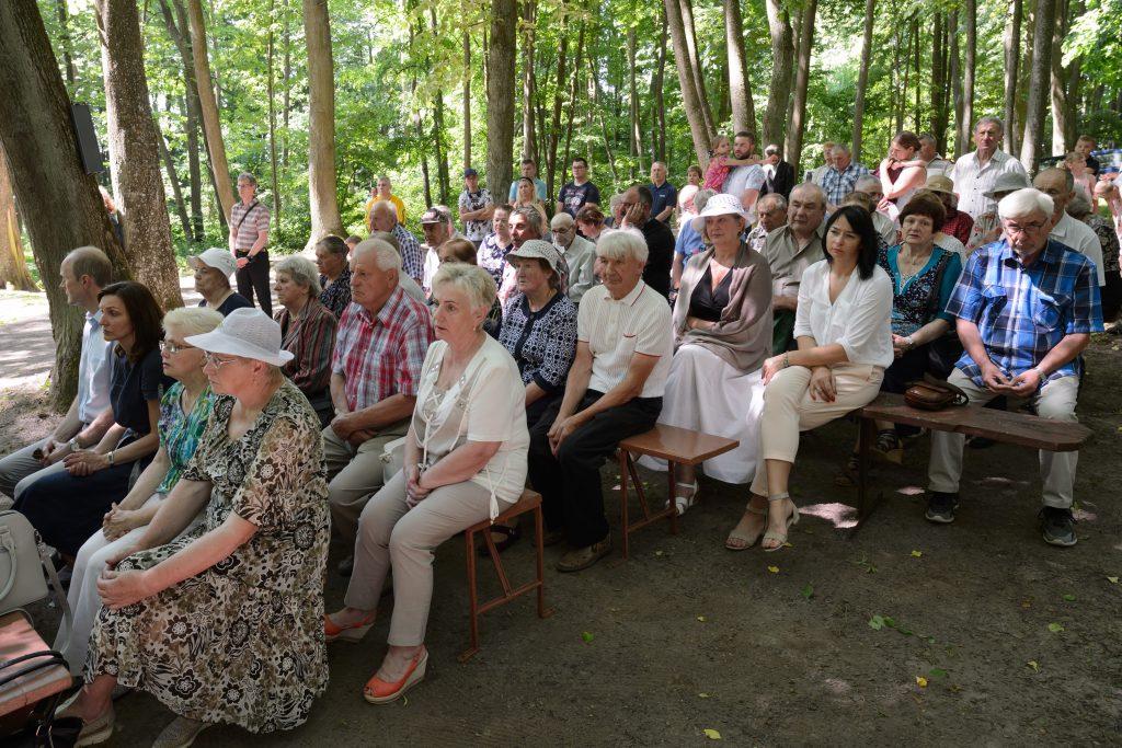 Paminėti prieš 80 metų nužudytų kunigų susirinko daugiau kaip šimtas žmonių / Vido Venslovaičio nuotr.