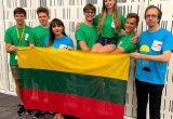 Lietuvius komanda su vadovais V.Jakštu M.M.Sinkevičiene