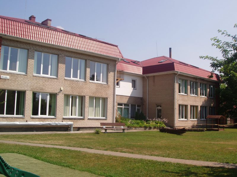 Krakių Švč. Mergelės Marijos savarankiško gyvenimo senelių globos namai / Broniaus Vertelkos nuotr.
